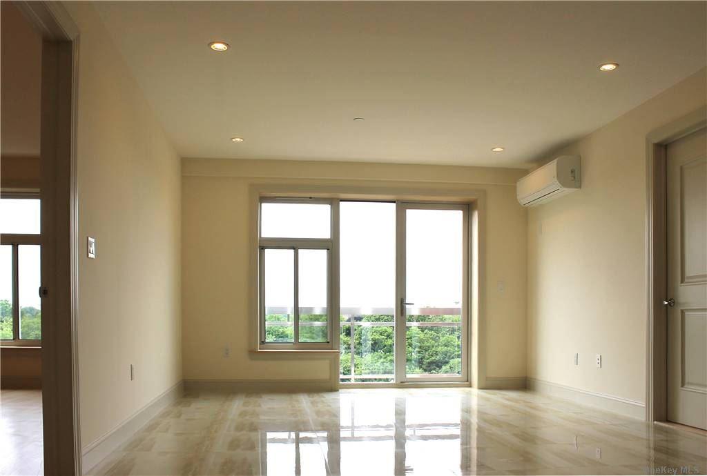 Property for sale at 65-38 Austin Street Unit: 7C, Rego Park,  New York 11374
