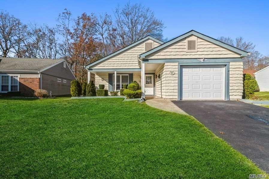 Property for sale at 221 Kingston Drive, Ridge,  New York 11961