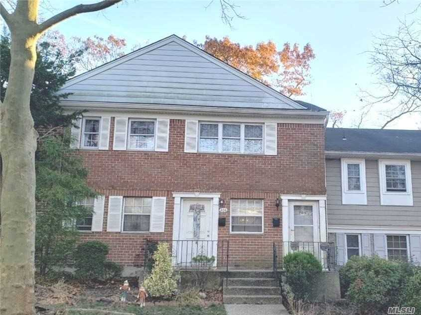 Property for sale at 206 Towne House Vill, Hauppauge,  New York 11749