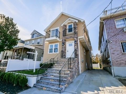 11-10 127 Street, College Point, New York 11356, 6 Bedrooms Bedrooms, ,4 BathroomsBathrooms,Residential Income,For Sale,127,3271851