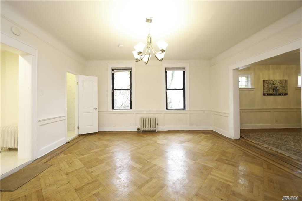 914 E 32nd Street, Brooklyn, New York11210, 4 Bedrooms Bedrooms, ,3 BathroomsBathrooms,Residential,For Sale,32nd,3271871