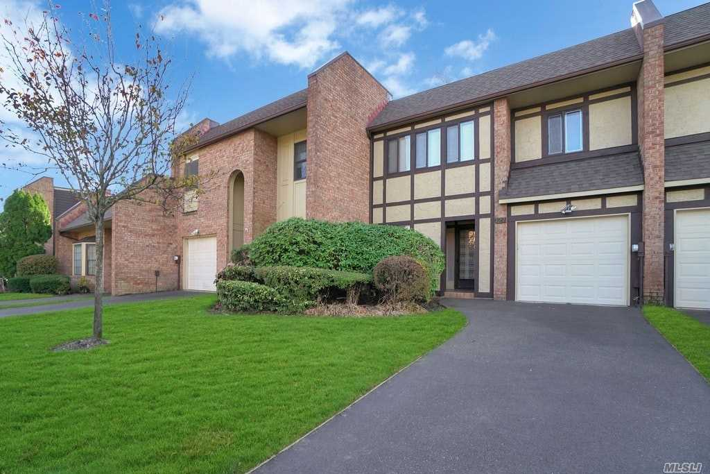 Property for sale at 127 Southgate Drive, Massapequa Park,  New York 11762