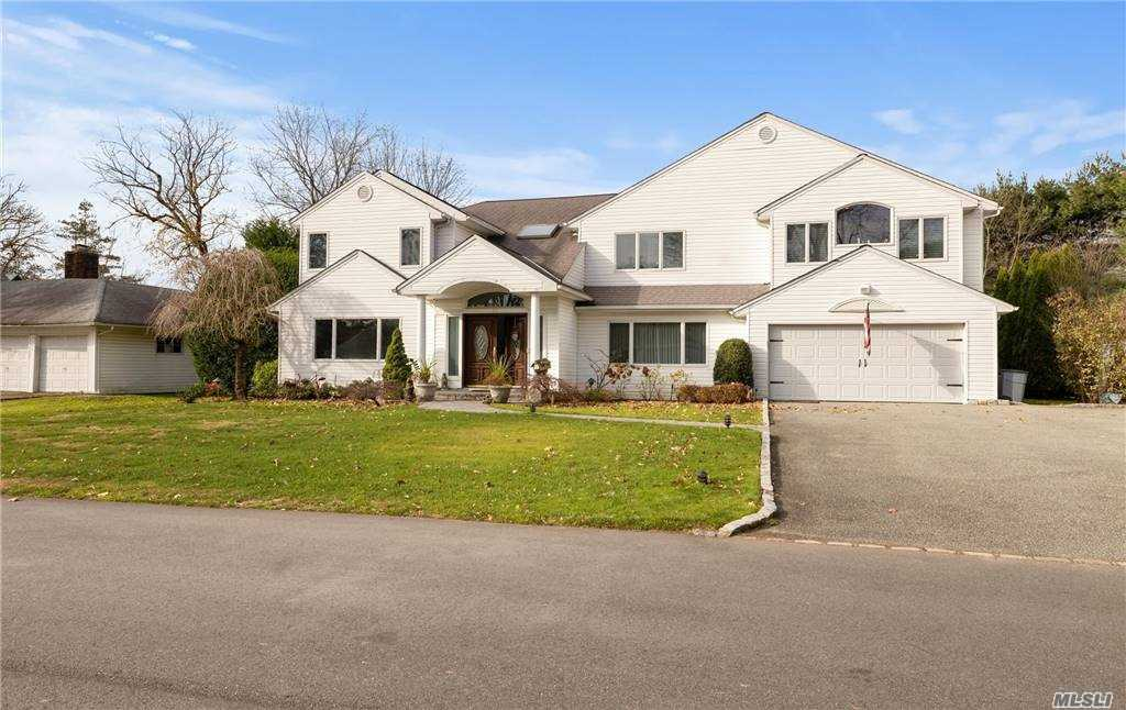 Property for sale at 37 Bluebird Drive, East Hills,  New York 11577