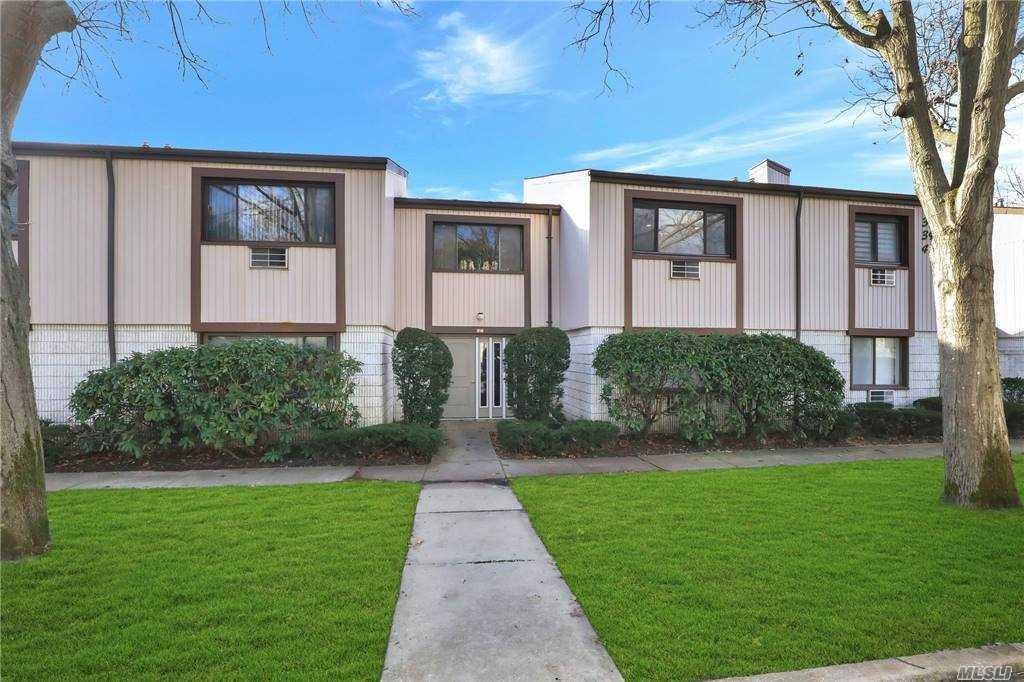 Property for sale at 39 Richmond Boulevard Unit: 4A, Ronkonkoma,  New York 11779