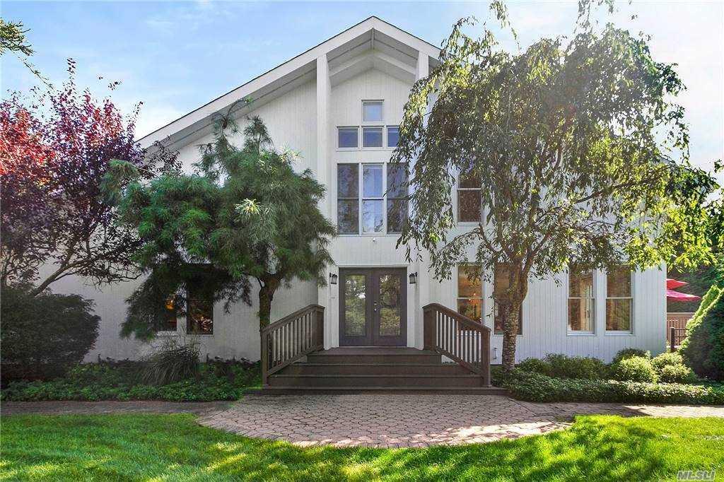 Property for sale at 27 Tuthill Lane, Remsenburg,  New York 11960