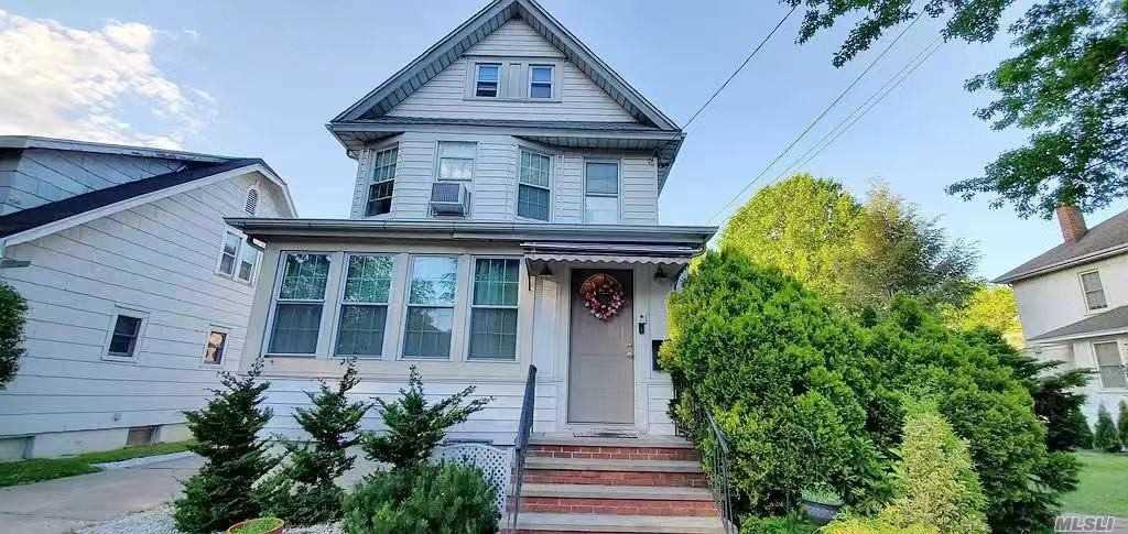 Property for sale at 59 Oak St, Floral Park,  New York 11001