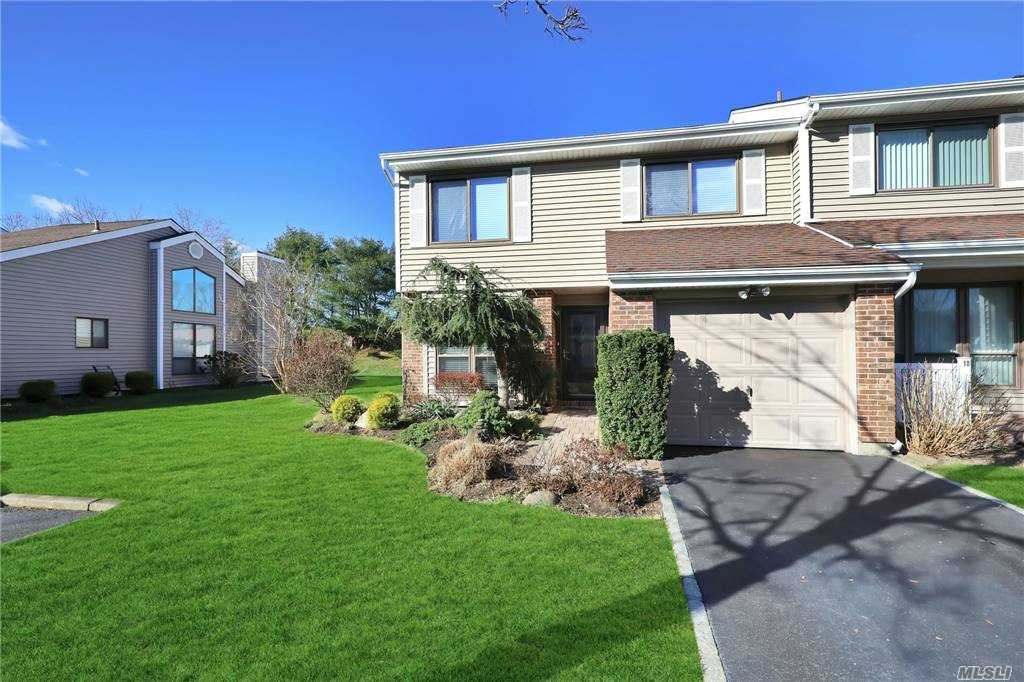 Property for sale at 19 W Pond Court, Smithtown,  New York 11787