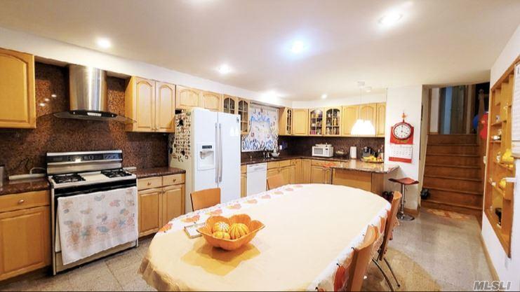 Single Family Gannon Avenue  Staten Island, NY 10314, MLS-3275426-6