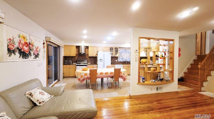 Single Family Gannon Avenue  Staten Island, NY 10314, MLS-3275426-5