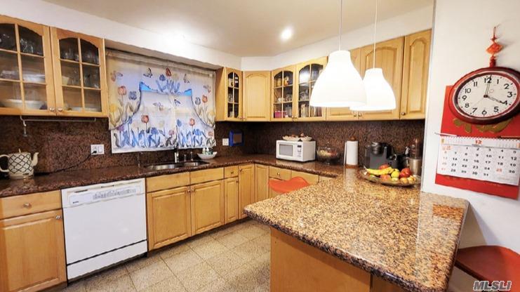 Single Family Gannon Avenue  Staten Island, NY 10314, MLS-3275426-8