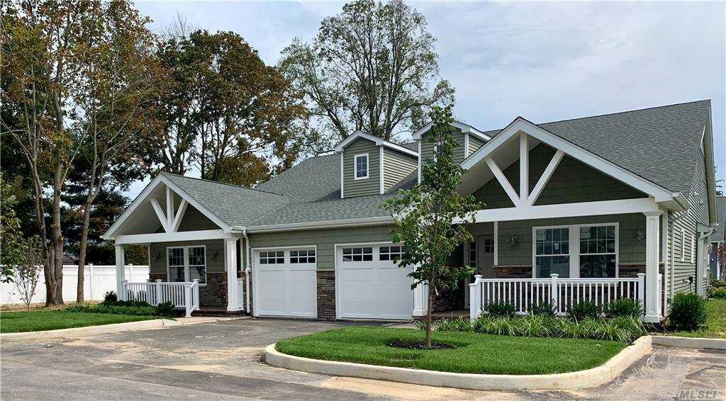 Property for sale at 1330 Smithtown Avenue Unit: 10, Bohemia,  New York 11716