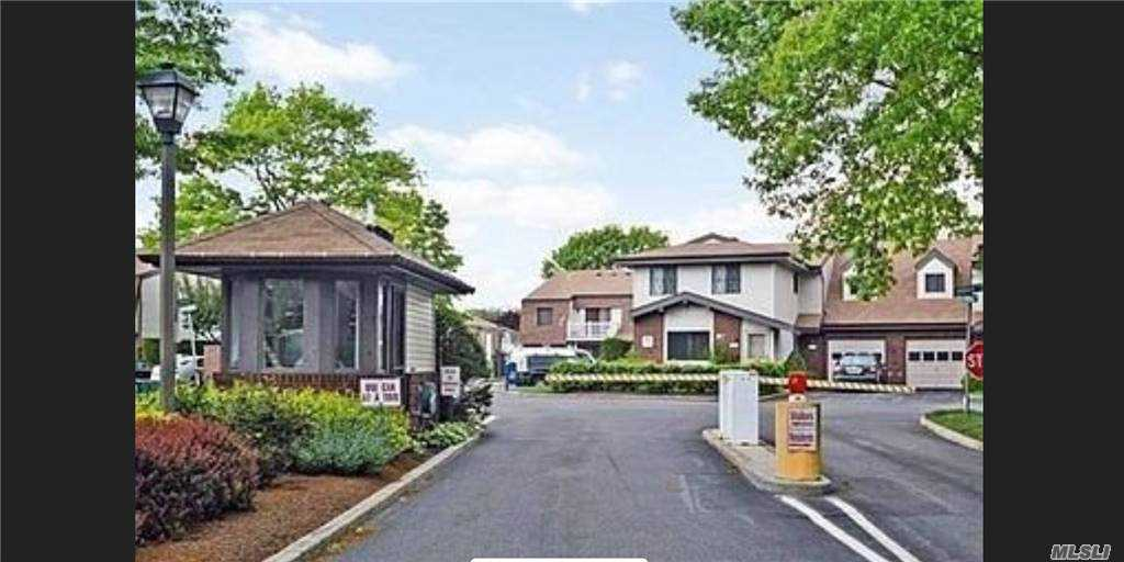 Property for sale at 85 W Cambridge, Copiague,  New York 11726