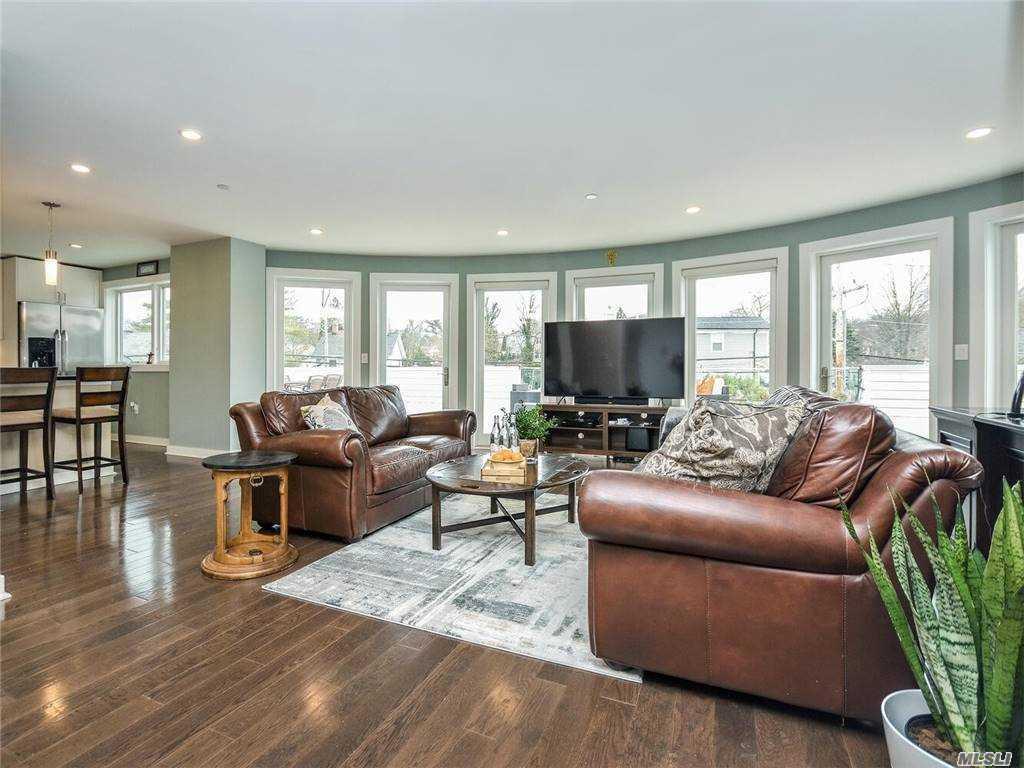Property for sale at 433 Main Street Unit: 206, Port Washington,  New York 11050