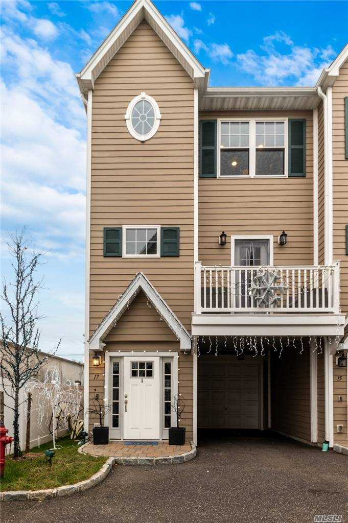 Property for sale at 17 Hearthstone Court, Farmingdale,  New York 1