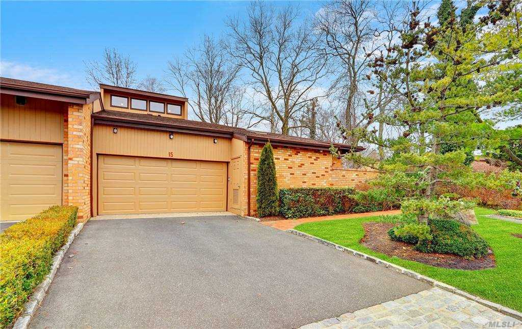 Property for sale at 15 Whitewood Drive, Roslyn,  New York 11576