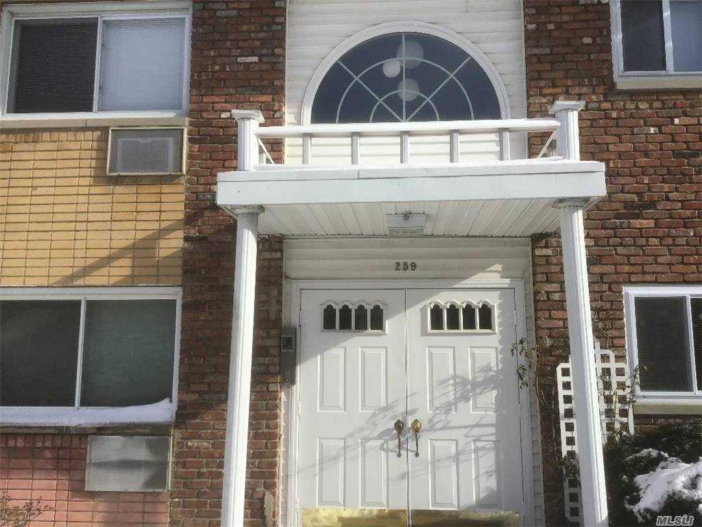 Property for sale at 259 N Newbridge Road Unit: 1D, Levittown,  New York 11756