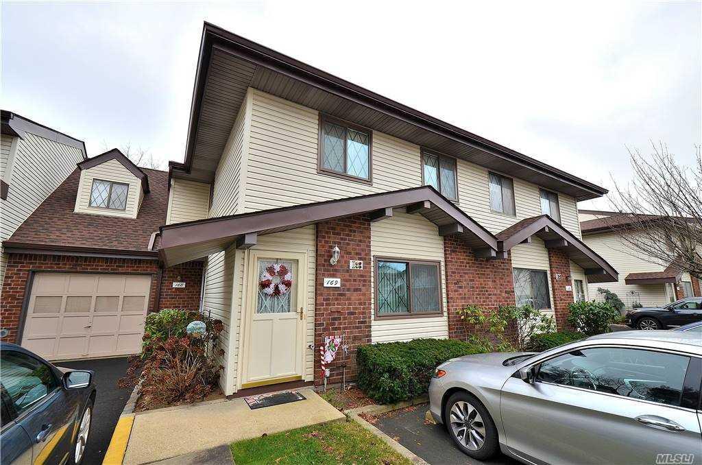 Property for sale at 169 E Cambridge Drive, Copiague,  New York 11726