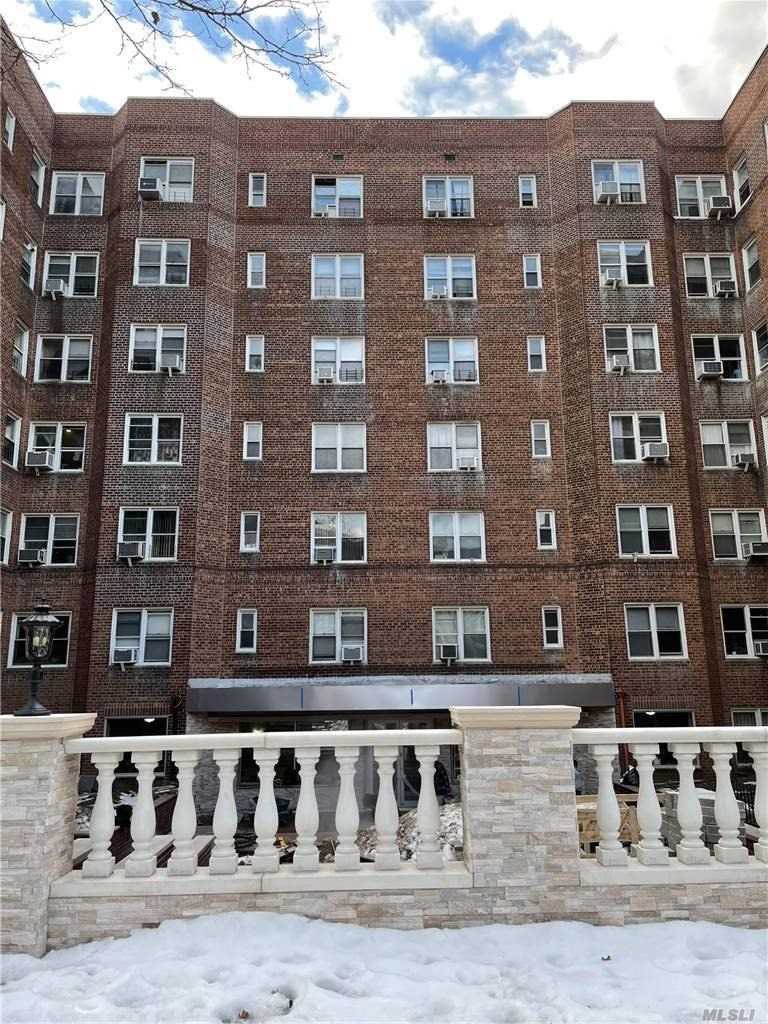 Property for sale at 63-60 102 Street Unit: E11, Rego Park,  New York 11374