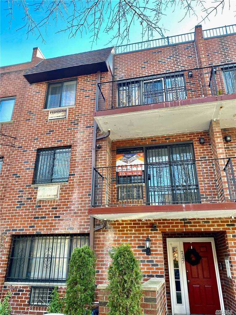 Property for sale at 7147 162 Street Unit: 2, Fresh Meadows,  New York 11365