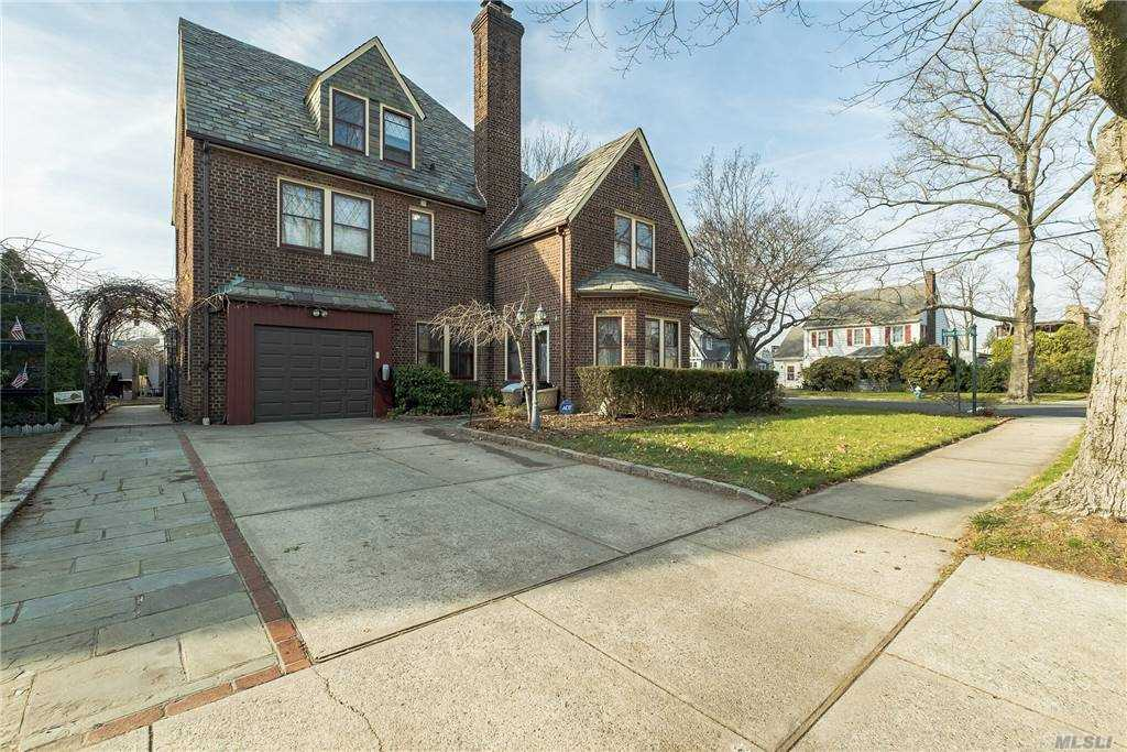 Property for sale at 54 Huron Road, Floral Park,  New York 11001