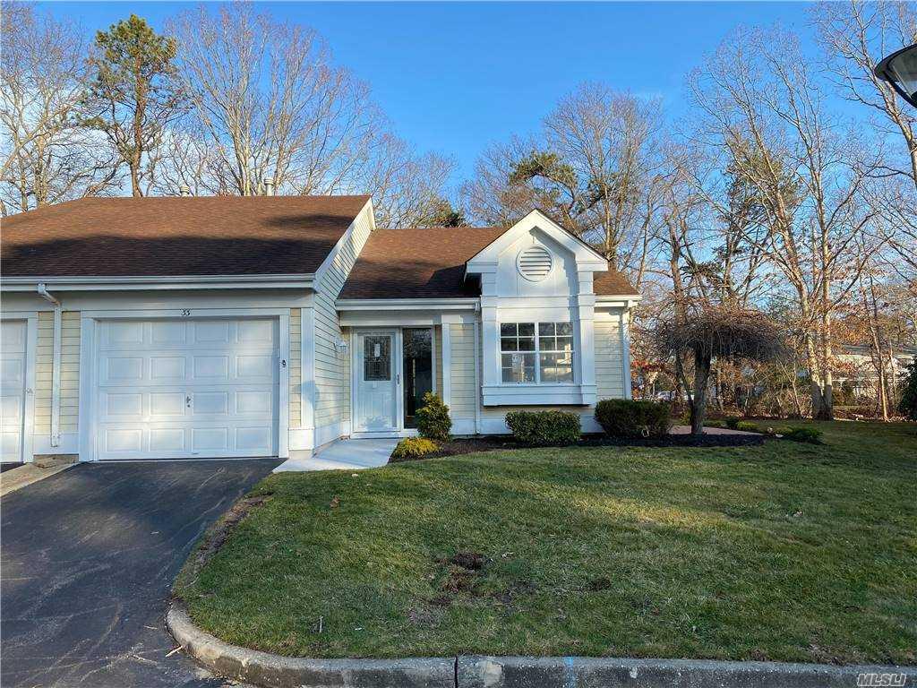 Property for sale at 33 Glen Drive, Ridge,  New York 11961