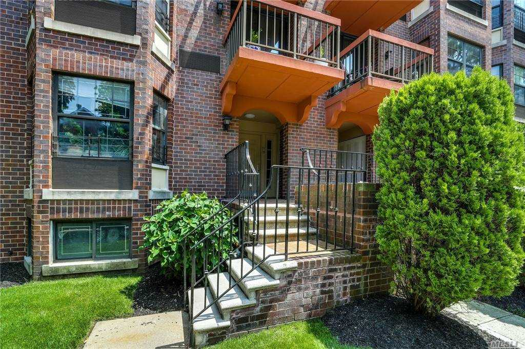 Property for sale at 71-19 163rd Street Unit: 3, Fresh Meadows,  New York 11365