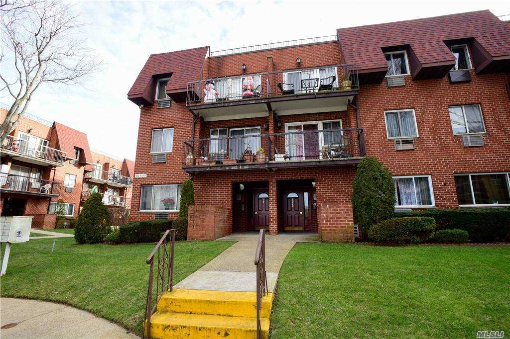Property for sale at 85-20 Dumont Avenue Unit: 7A, Ozone Park,  New York 11417