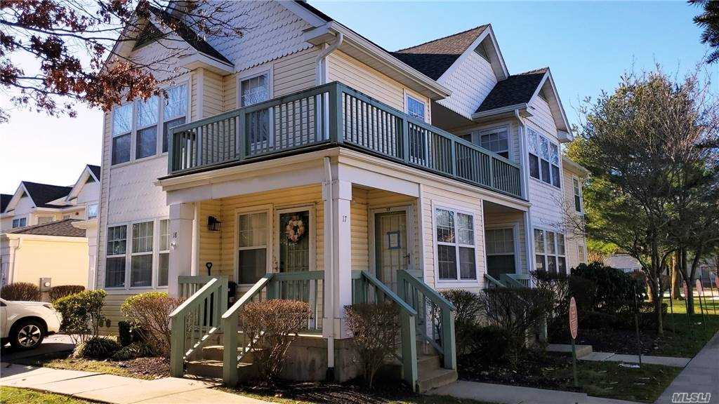 Property for sale at 17 Commodore Circle, Pt.Jefferson Sta,  New York 11776