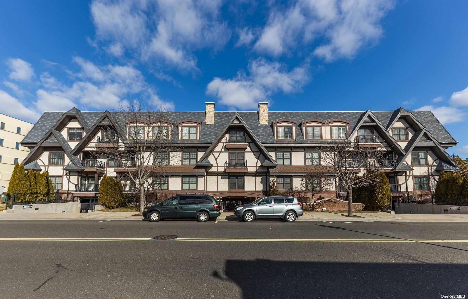 Property for sale at 77 Maple Avenue Unit: 303, Rockville Centre,  New York 11570