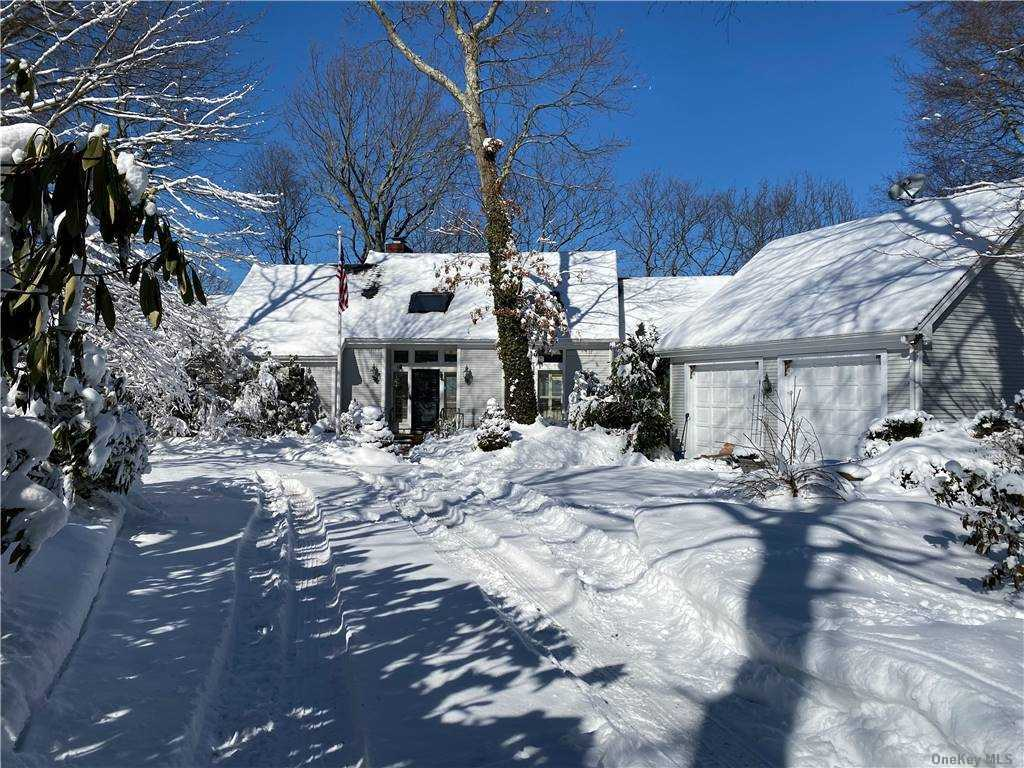 Property for sale at 24 Arosa Court, Greenlawn,  New York 11740