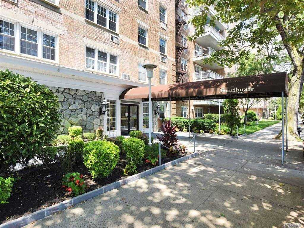 Property for sale at 149-30 88th Street Unit: 5F, Howard Beach,  New York 11414