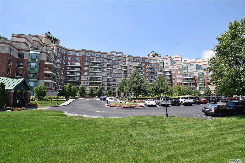 Property for sale at 111 Cherry Valley Avenue Unit: M30W, Garden City,  New York 11530