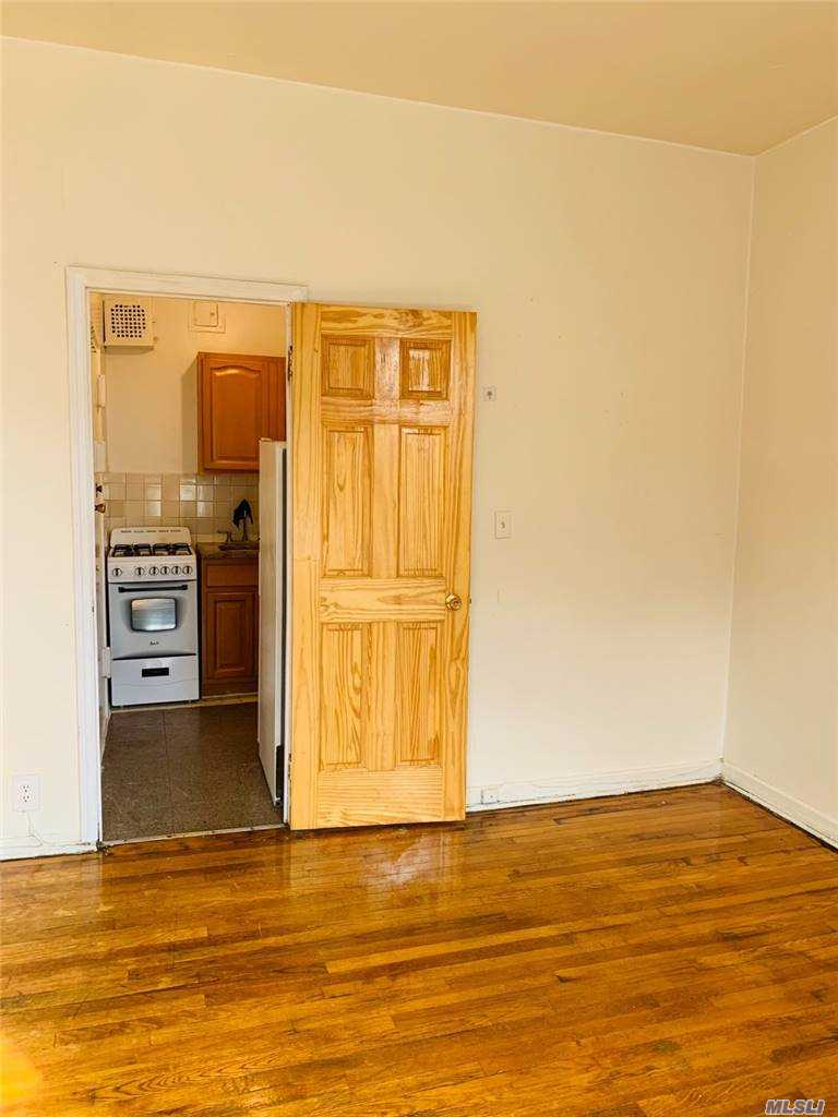 547 W 187TH STREET #3A, OUT OF AREA TOWN, NY 10033
