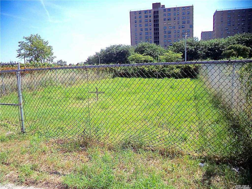 Land 43rd Lot 20 & 21 Street  Queens, NY 11691, MLS-3281214-2