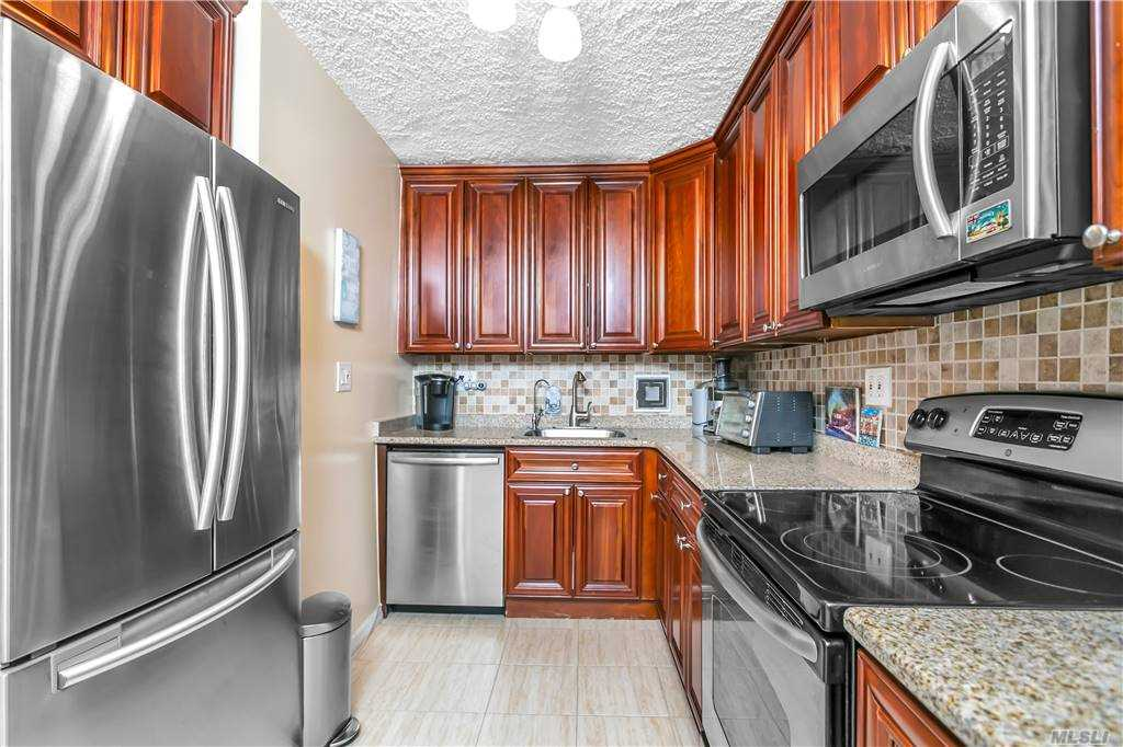 Property for sale at 9-20 166St. Unit: 4D, Beechhurst,  New York 1