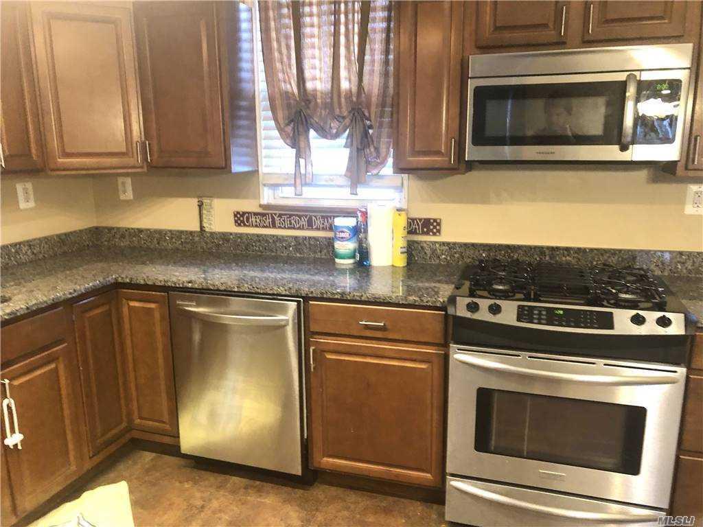 Single Family Orange Avenue  Staten Island, NY 10302, MLS-3281732-4