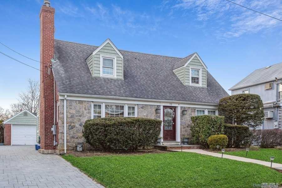 Property for sale at 72 Elm Ave, Floral Park,  New York 1