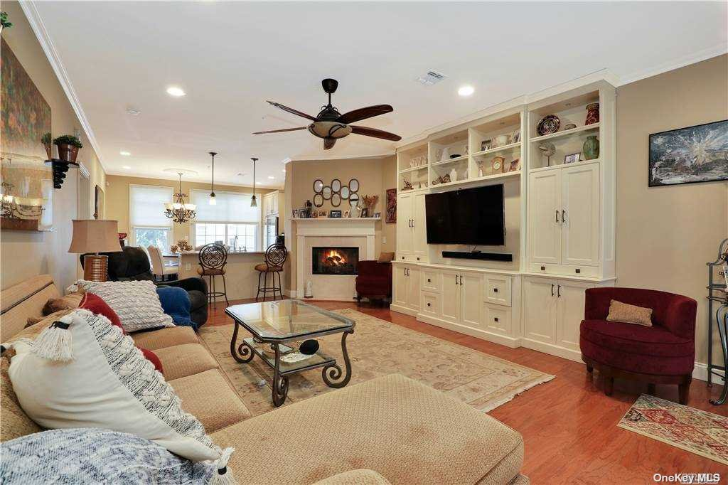 Property for sale at 507 Pacing Way, Westbury,  New York 1