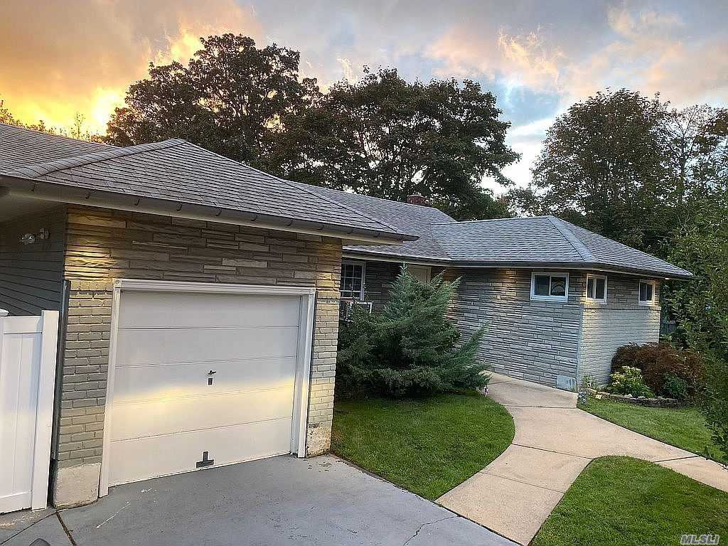 WELCOME HOME! BEAUTIFUL 3 BED 2 BATH! MOVE IN READY! LARGE LOT WITH TONS OF POTENTIAL. PARK LIKE BACKYARD - PERFECT FOR ENTERTAINING! THEATER ROOM!! WILL NOT LAST!