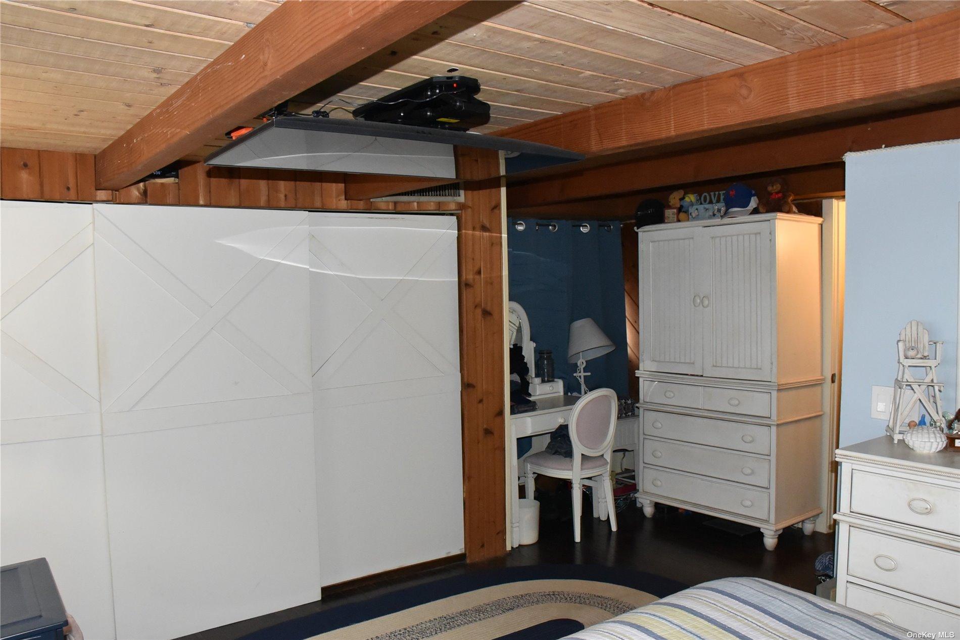 Single Family Matinecock  Nassau, NY 11050, MLS-3283393-17