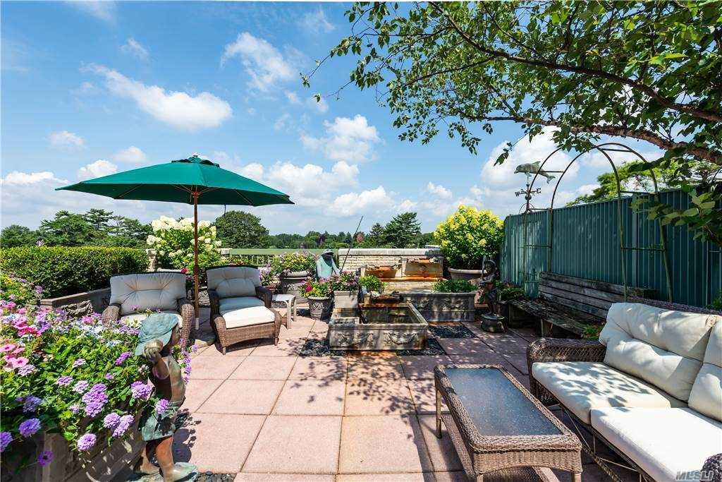 Property for sale at 111 Cherry Valley Avenue Unit: PH 1, Garden City,  New York 11530