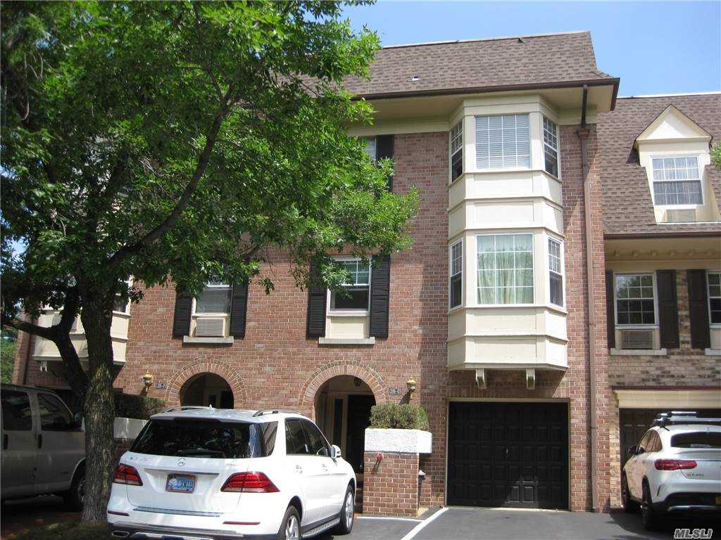 Property for sale at 206-03 Lori Drive Unit: 65L, Bayside,  New York 11360