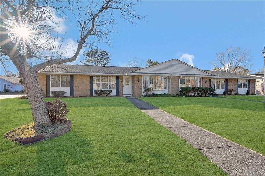 Property for sale at 356 A Woodbridge Drive, Ridge,  New York 11961