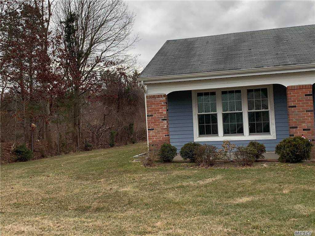 Property for sale at 405 Kingston Drive, Ridge,  New York 11961