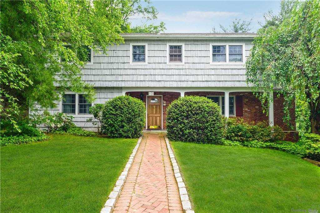 Property for sale at 10 Hickory Lane, Glen Cove,  New York 11542