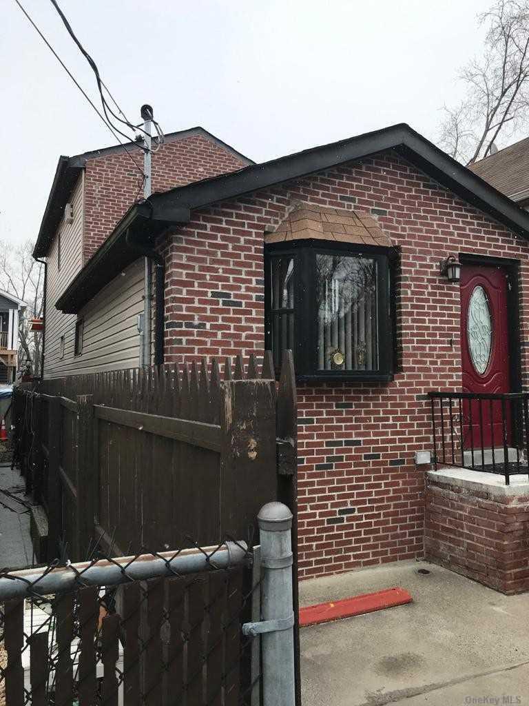 Single Family Hamden Avenue  Staten Island, NY 10306, MLS-3286676-11