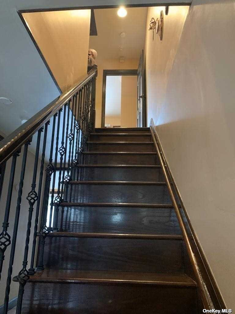 Single Family Hamden Avenue  Staten Island, NY 10306, MLS-3286676-8