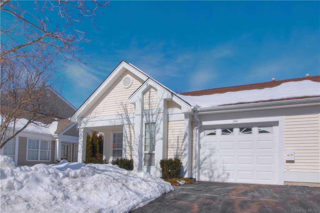 Property for sale at 241 Glen Drive, Ridge,  New York 11961