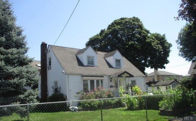 Single Family Lafayette Avenue  Nassau, NY 11550, MLS-3288381-2