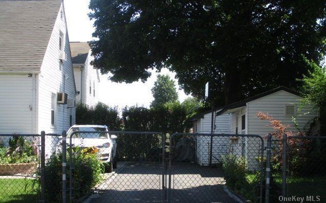 Single Family Lafayette Avenue  Nassau, NY 11550, MLS-3288381-3